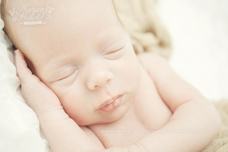 09-Babybauchfotos_und_Neugeborenenfotos_Esslingen