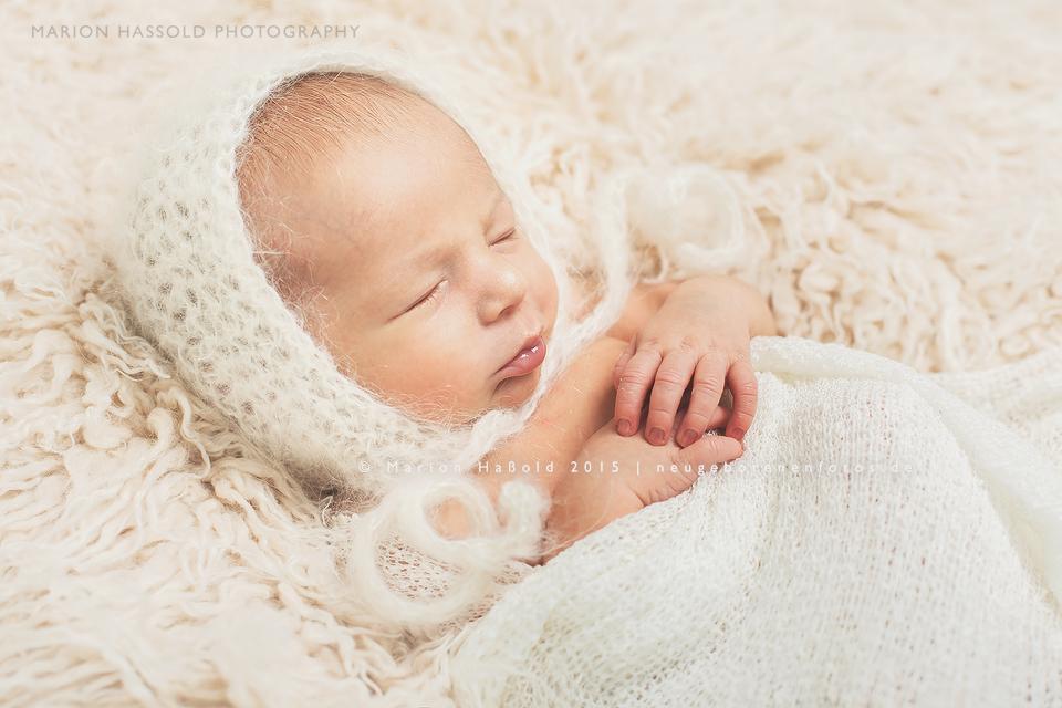 04-Babybauchfotos_und_Neugeborenenfotos_Esslingen