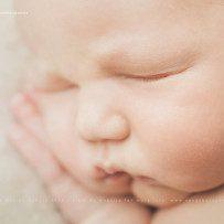 Neugeborenenfotos mit dem 7 Tage alten Silas.
