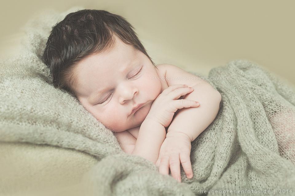 04-Babybauchfotos_und_Neugeborenenfotos_Louis12T-Esslingen