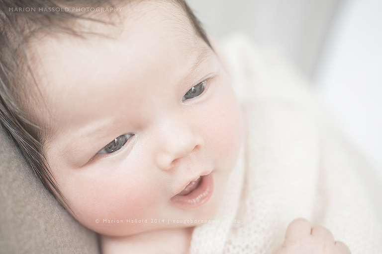 03-Antonia-Babybauchfotos_und_Neugeborenenfotos_Esslingen