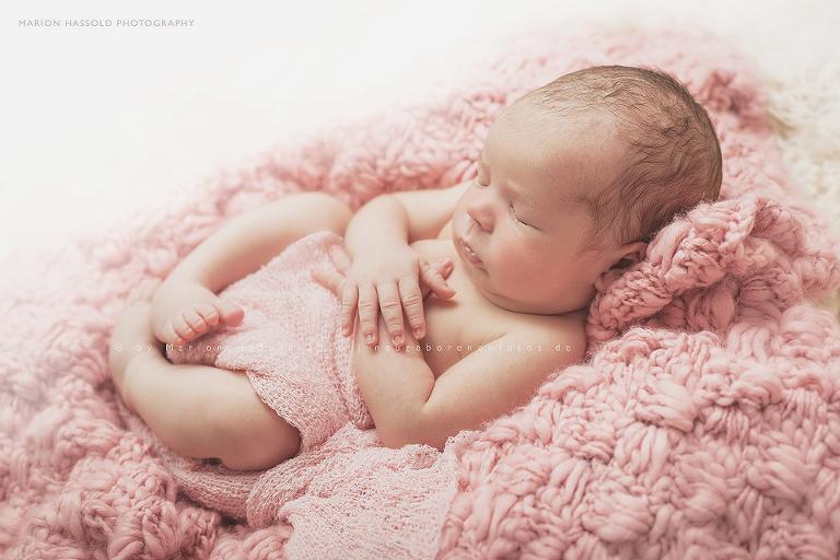 03-Babybauchfotos_und_Neugeborenenfotos_Nuertingen