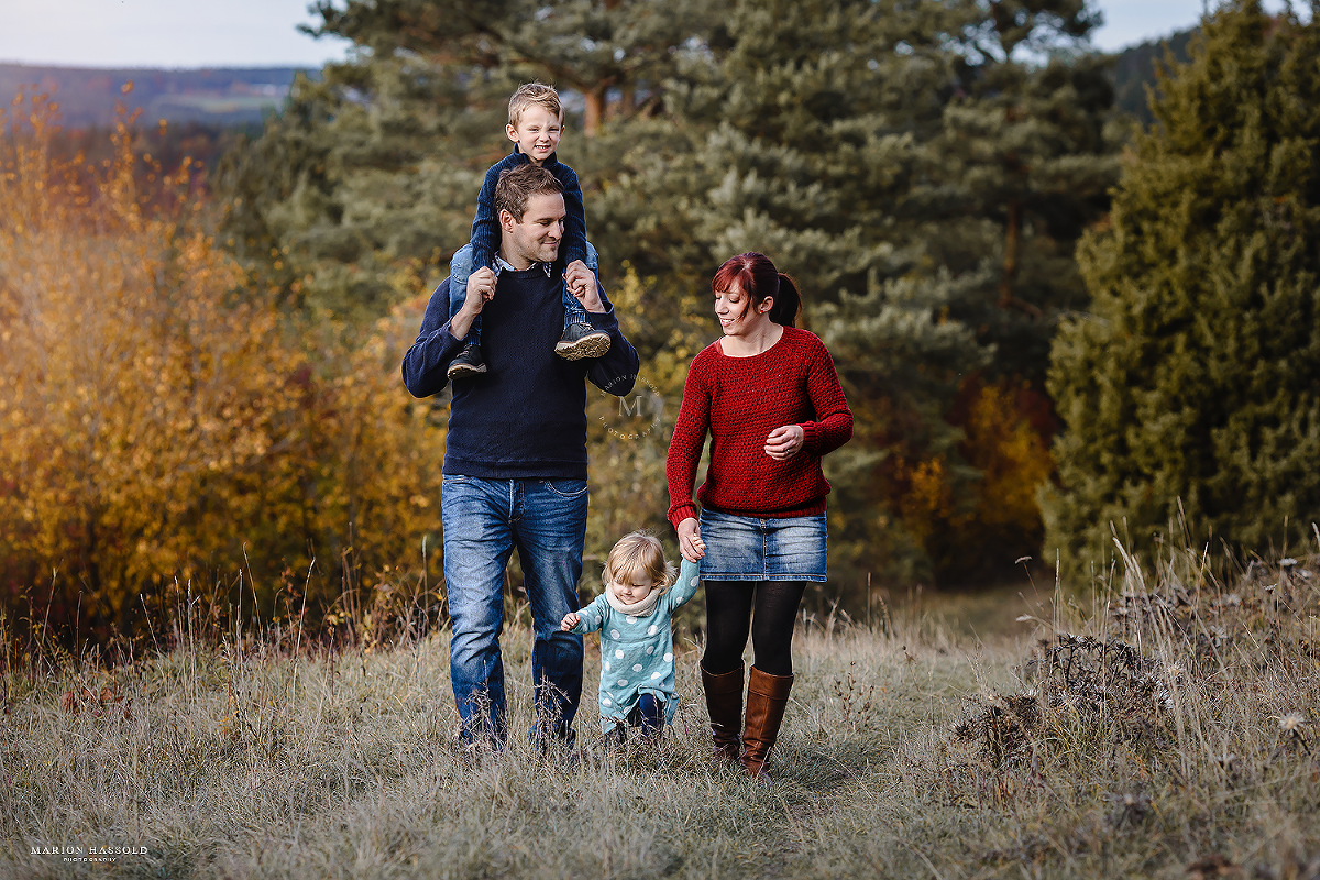 Familienfotos im Herbst